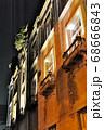 ライトアップされた非常にレトロで趣のある旧秋田商会ビル 68666843
