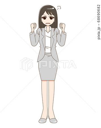 スーツを着て両手で握り拳をしている怒った顔の女性 68690682