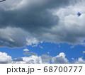 近づく「雨雲」の風景 68700777