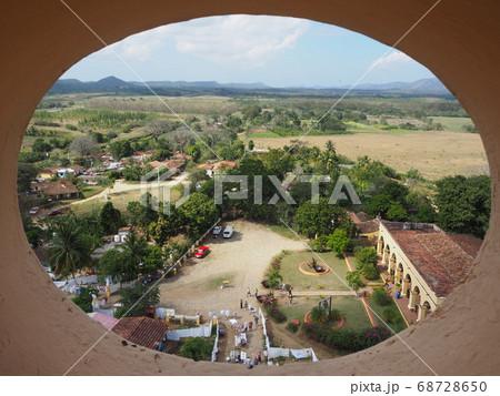 展望台からロス・インヘニオス渓谷の眺め 68728650