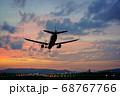 【大阪府】伊丹空港に着陸する飛行機 68767766