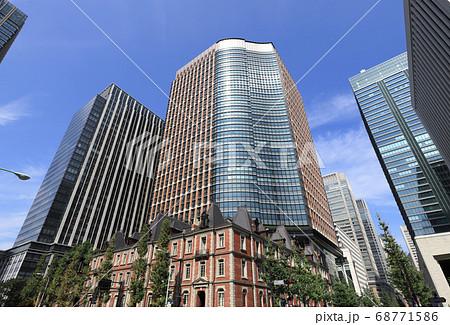 丸の内パークビルディングと丸の内ブリックスクエア(東京都千代田区にあるオフィスビルと商業施設) 68771586