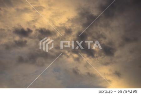 夕焼け空模様  急変した夕焼け空 68784299