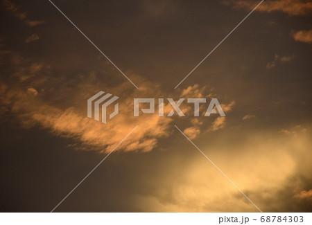 夕焼け空模様  急変した夕焼け空 68784303