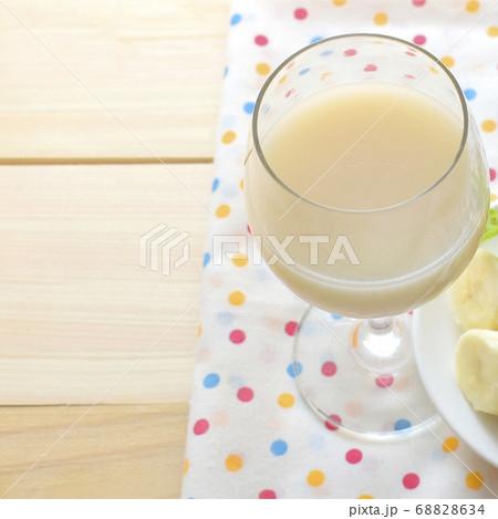 乳清と甘酒とバナナのスムージー 68828634