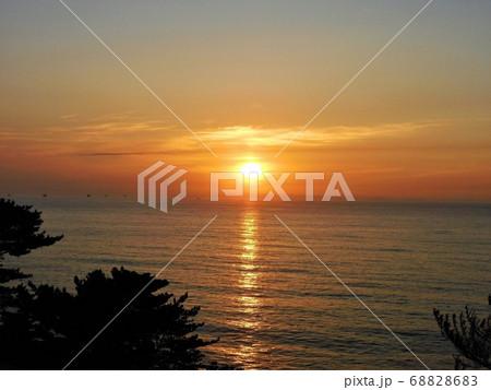 北茨城・五浦海岸~美しく神秘的な『太陽の光の道』(8) 68828683