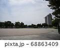 公園内の広場 68863409
