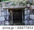 皇居東御苑内 石室 68877854