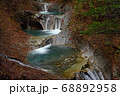 秋の西沢渓谷・七ツ釜五段の滝 68892958
