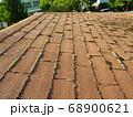 コロニアル屋根に苔は大敵です 68900621