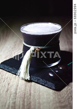 正月に飲みたい日本酒と黒大豆の煮汁を使ったカクテル 68902994