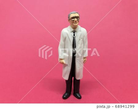 医者の人形、フィギュア:医療従事者イメージ(男性) 68941299