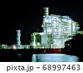 工場夜景の聖地といわれる四日市にある光の要塞のような夜景 68997463