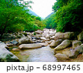 三重県にある鈴鹿川支流、内部川上流の峡谷「宮妻峡」 68997465