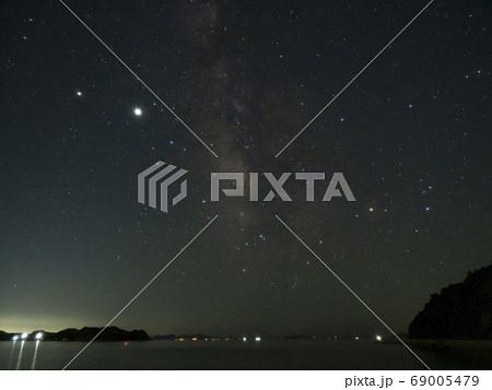 夏の星と天の川 69005479