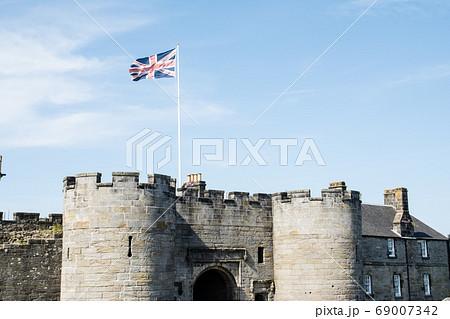 スコットランドの郊外のスターリング城の入口 69007342