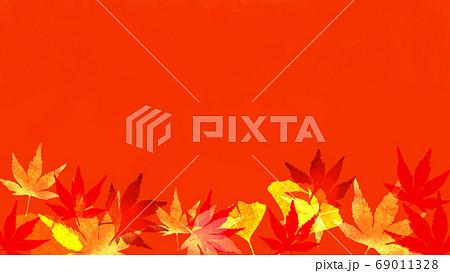 紅葉のある秋のイメージの背景イラスト 69011328