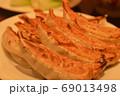 (中華料理)大きなジャンボ焼き餃子 69013498