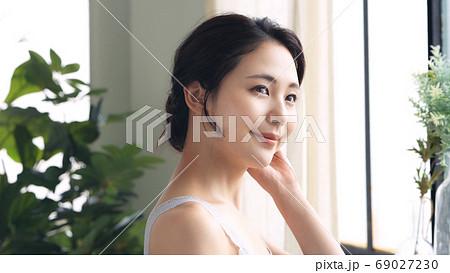 女性の美容イメージ スキンケア 69027230
