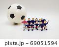 サッカー選手の記念撮影② 69051594