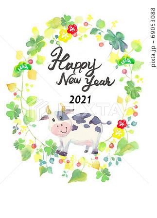 水彩で描いたかわいい牛の年賀状 69053088