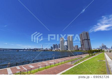 春海橋公園と晴海エリアのタワーマンション群 69092726