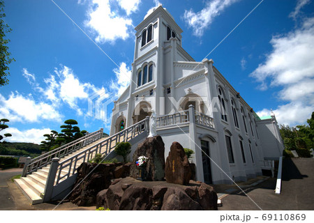 隠れキリシタン 紐差教会のある風景 69110869