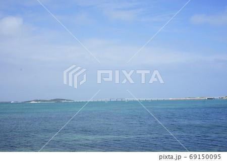 宮古島と伊良部島を結ぶ海の架橋伊良部大橋 69150095