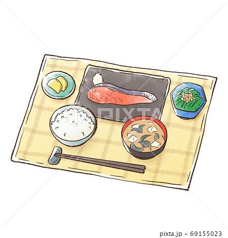 焼き鮭と白いご飯に味噌汁を添えた食事 69155023