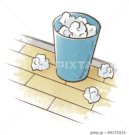 フローリングの床に置かれたゴミ箱とあふれるゴミ 69155024