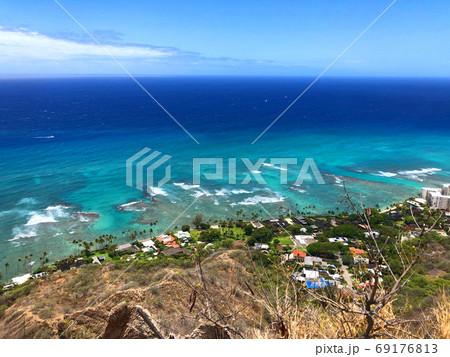ダイアモンドヘッドから見た海岸線 69176813