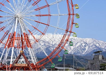 山と観覧車 69187514