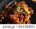 韓国料理タッパルポックム 鶏足の激辛炒め 69198891
