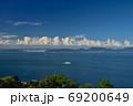 船と小豆島(香川県高松市庵治竜王山公園より) 69200649
