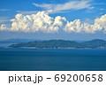 積乱雲と小豆島(香川県高松市庵治竜王山公園より) 69200658