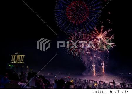 愛知県名古屋市 夏の名古屋港 みなと祭の花火大会 比較明合成 69219233