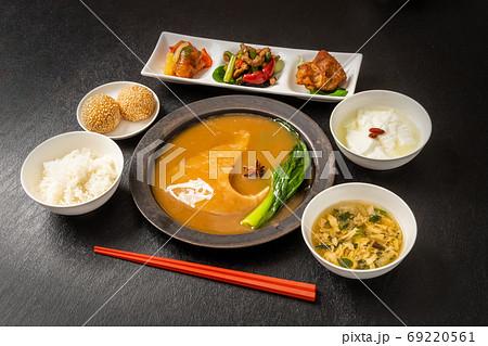 ふかひれの姿煮 luxury Chinese cuisine Shark fin simmered 69220561