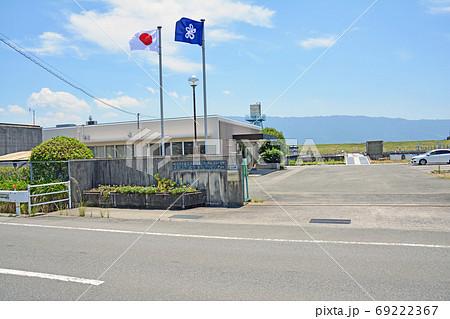 朝倉市の田園地帯にある水産技術センター内水面研究所 69222367