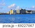 江の島湘南港からの眺望 片瀬江ノ島駅前ビル群と片瀬海岸東浜 69227067
