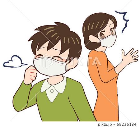 咳をしている子供を見て慌てるお母さん 69236134