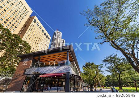 新宿中央公園と交流施設SHUKNOVA 69265948