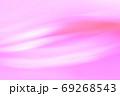 抽象的背景 赤色系(ピンク色)ゆるやかな流れ・ライン 69268543