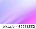 抽象的背景 紫色系の緩やかな流れ・ライン 69268552