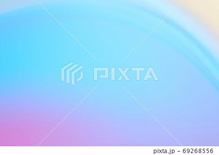 抽象的背景 青色・紫色系の緩やかな流れ・ライン 69268556