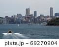 シドニー湾を行きかう船舶 69270904