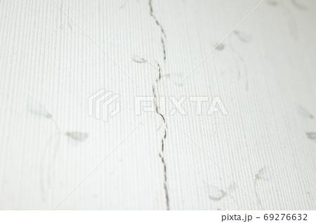 壁紙のヒビ(キズ) 69276632
