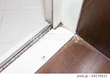 家の汚れ 69276635