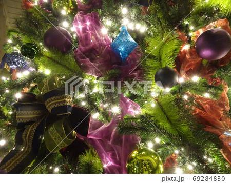 キラキラのクリスマスオーナメント 69284830