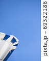 夏のプールサイド - 複数のバリエーションがあります 69322186