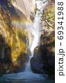 紅葉の昇仙峡 仙娥滝(山梨県甲府市) 69341988